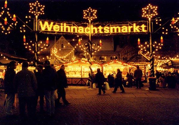 Jugendlicher kocht auf Weihnachtsmarkt in Eutingen